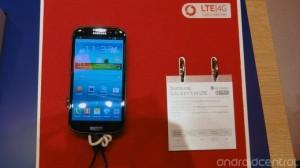 GalaxySIII-LTE-GT-I9305-02